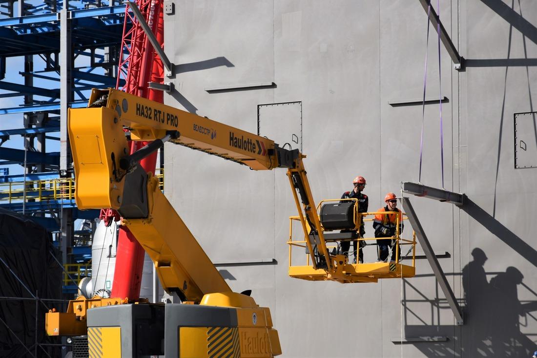 Общий вес монтируемого оборудования холодного блока составляет порядка 1400 тонн